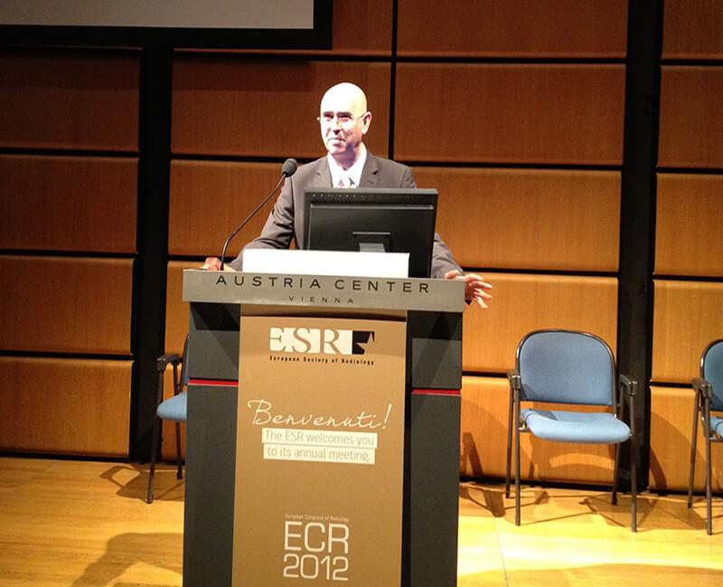 Prezentare lucrare stiintifica despre tratamentul interventional al tumorilor hepatice (Congresul European de Radiologie, Viena, mar. 2012)